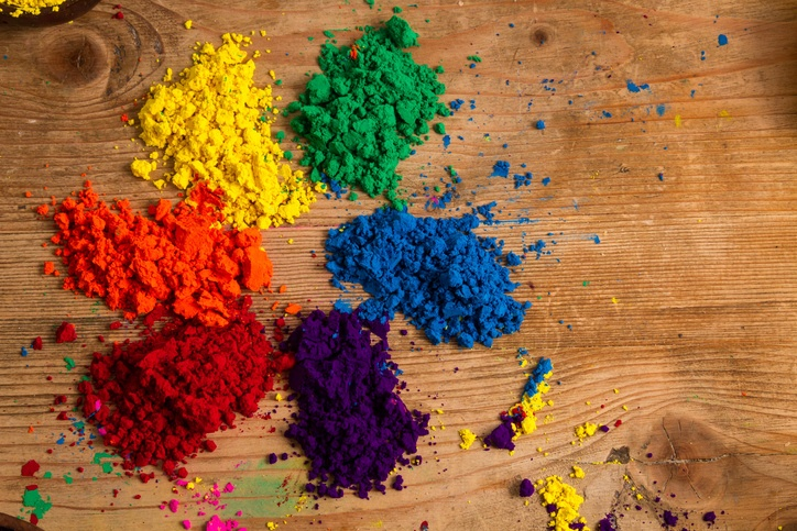 The color wheel, graphic design and color